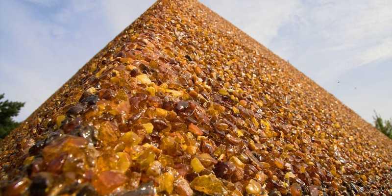 Янтарный-Светлогорск: Колыбель солнечного камня. Янтарная пирамида