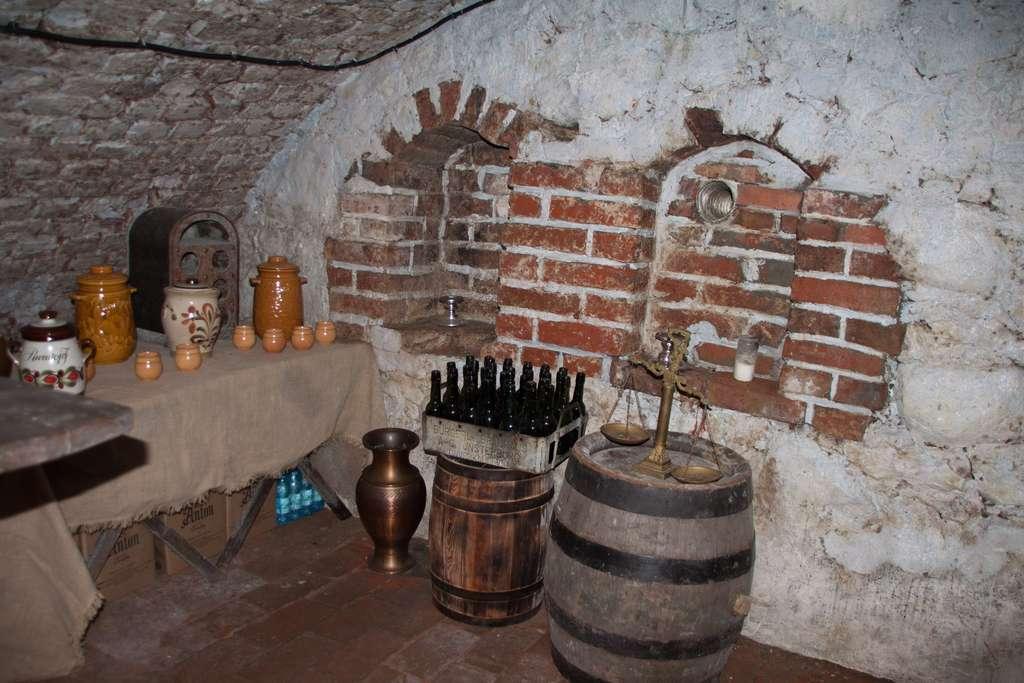 Винный погреб в замке Шаакен
