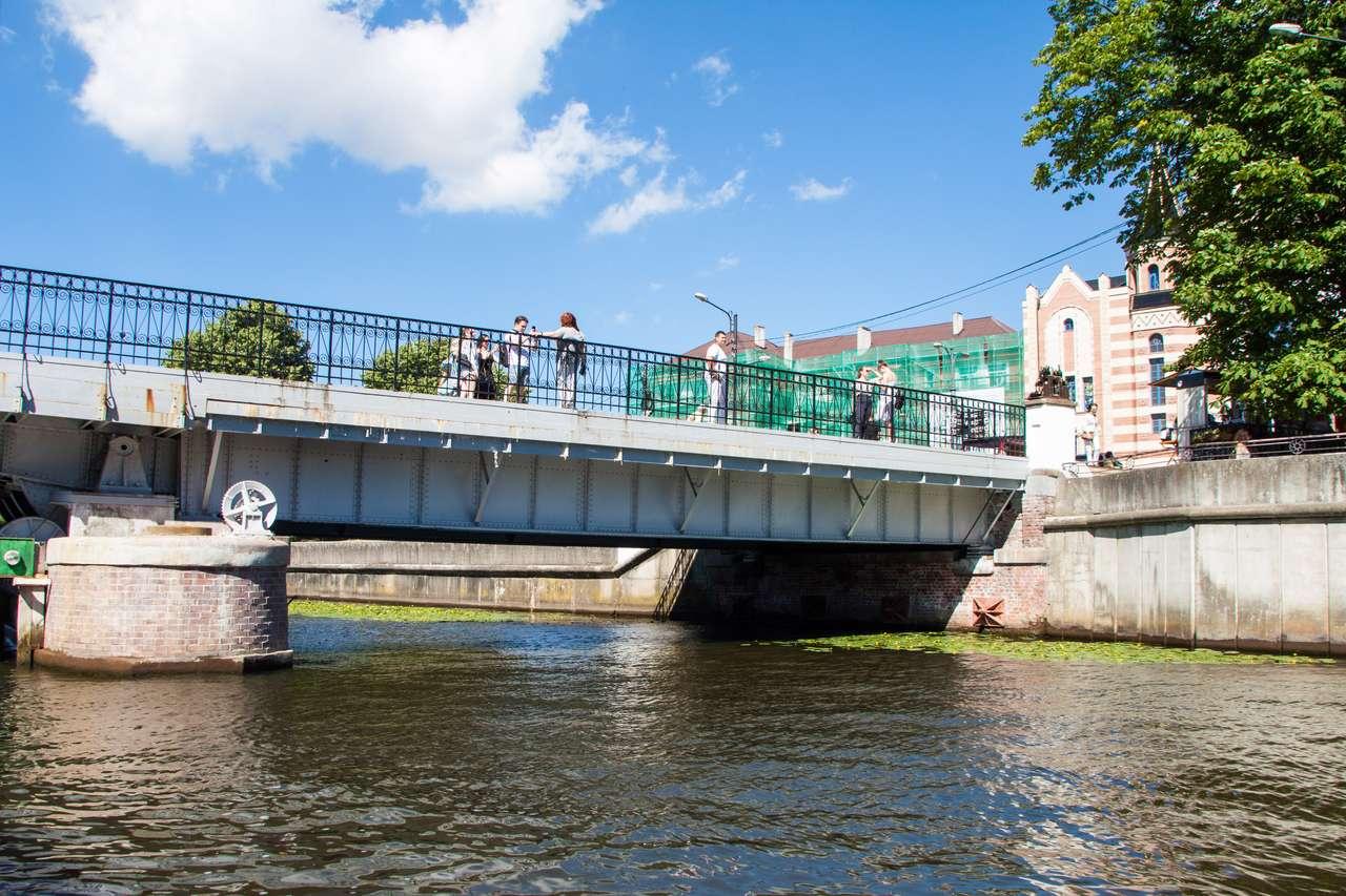 Водная экскурсия Калининград. Медовый Мост
