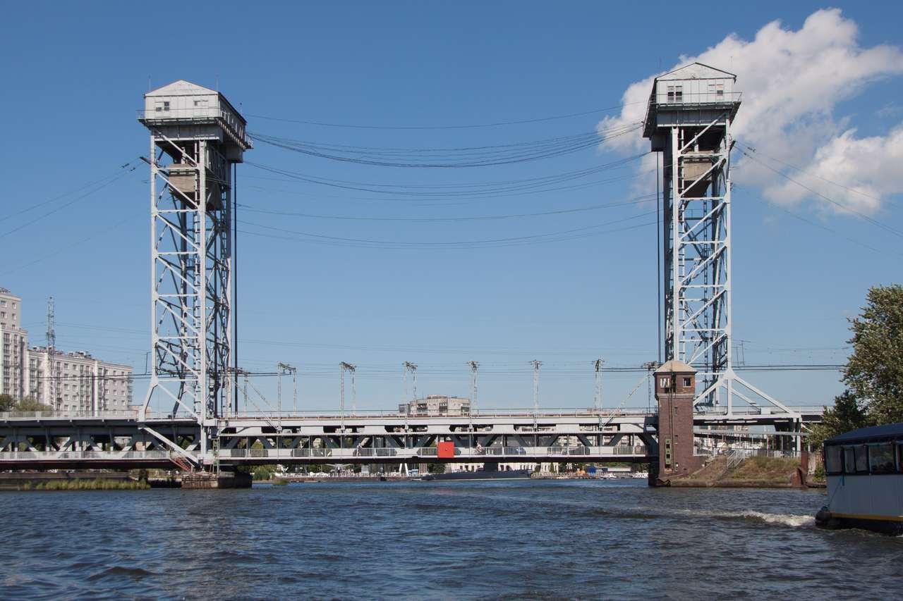Водная экскурсия Калининград. Двуярусный мост