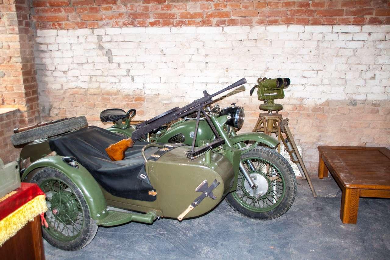 Армейский автомобиль отечественной войны