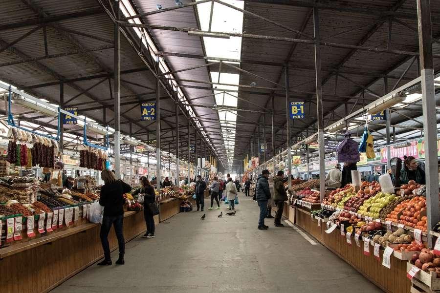 Магазины и рынки в Ленинградском районе